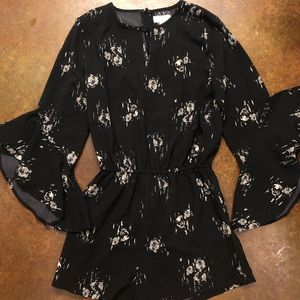 Mud pie black floral bell sleeve romper